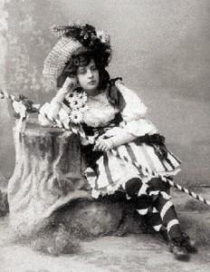 Αποκριάτικη ενδυμασία Σμυρνιοπούλας το 1905